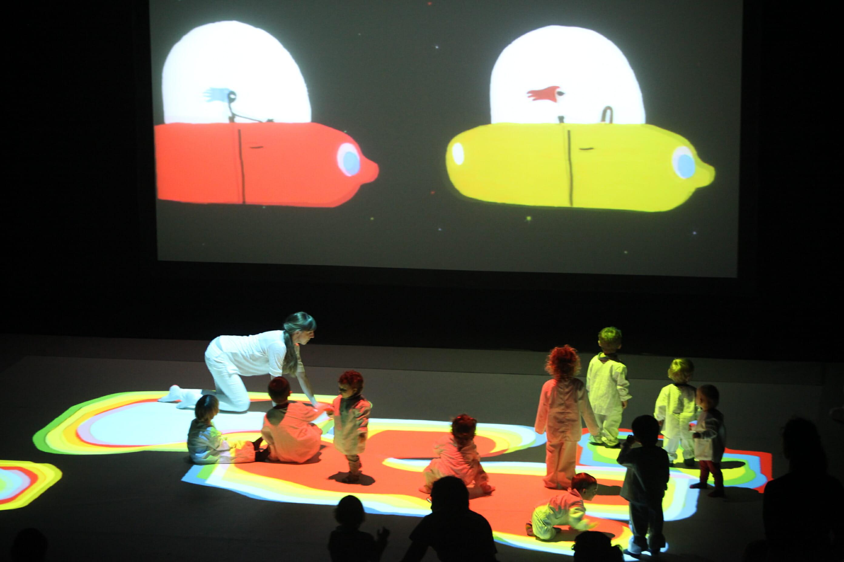 Pels infants més petitons també hi ha propostes a laFIETcom l'espectacle 'Little Night' de la companyiaImaginart